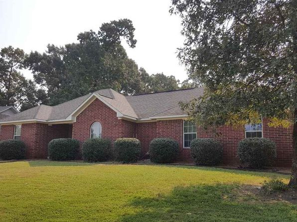 3 bed 2 bath Single Family at 24 White Oak Ln Wake Village, TX, 75501 is for sale at 154k - 1 of 19