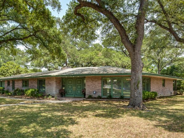 3 bed 3 bath Single Family at 100 Dogwood San Antonio, TX, 78213 is for sale at 560k - 1 of 25