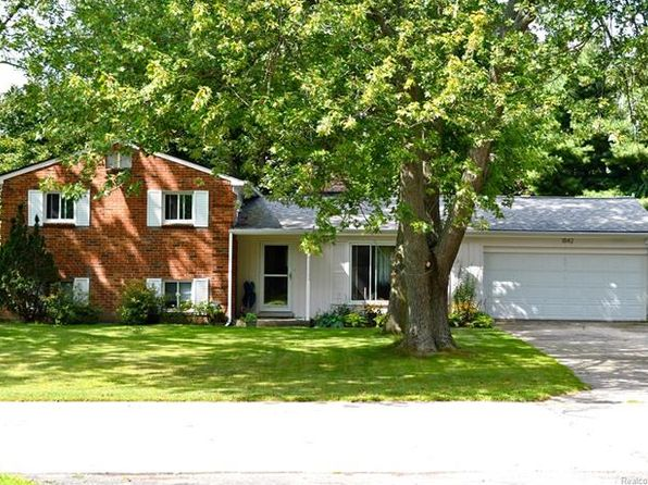 3 bed 3 bath Single Family at 1842 Sherwood St Sylvan Lake, MI, 48320 is for sale at 215k - 1 of 18