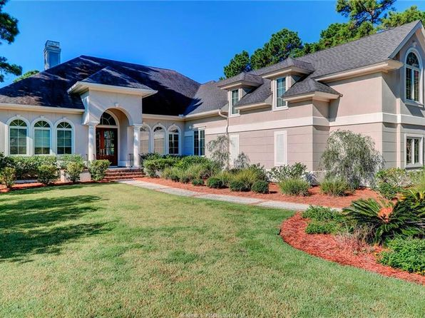 5 bed 7 bath Single Family at 1 Clyde Ln Hilton Head Island, SC, 29926 is for sale at 869k - 1 of 25