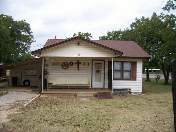 2 bed 1 bath Single Family at 1021 Wichita Ave Jacksboro, TX, 76458 is for sale at 35k - 1 of 19