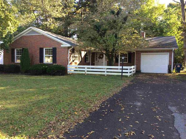 3 bed 2 bath Single Family at 1007 Sharpe St Murray, KY, 42071 is for sale at 139k - google static map