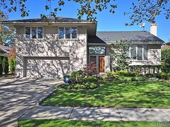 5 bed 4 bath Single Family at 643 June Pl Valley Stream, NY, 11581 is for sale at 879k - 1 of 9