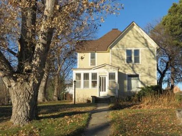 3 bed 2 bath Single Family at 228 N Maple St Gordon, NE, 69343 is for sale at 80k - 1 of 38