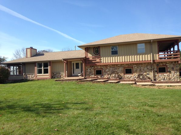 3 bed 3 bath Single Family at W298N8813 Camp Whitcomb Rd Hartland, WI, 53029 is for sale at 370k - 1 of 22