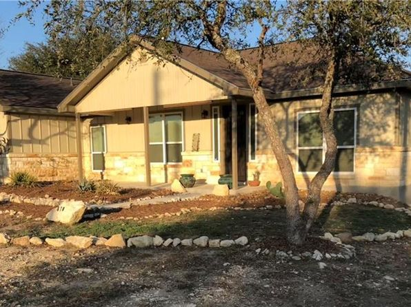 3 bed 2 bath Single Family at 870 LA PALOMA DR CANYON LAKE, TX, 78133 is for sale at 265k - 1 of 28