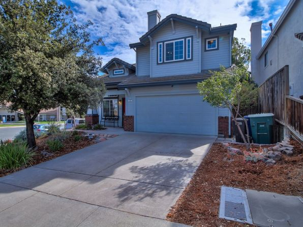 3 bed 2.5 bath Single Family at 2 Golf Club Ct Pittsburg, CA, 94565 is for sale at 415k - 1 of 18