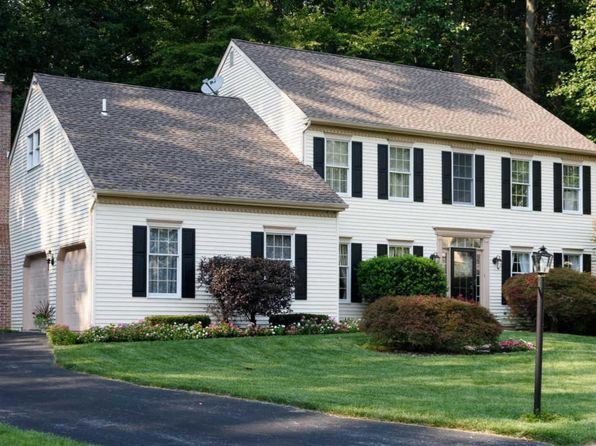 4 bed 2.5 bath Single Family at 16 Brookhollow Dr Downingtown, PA, 19335 is for sale at 435k - 1 of 25