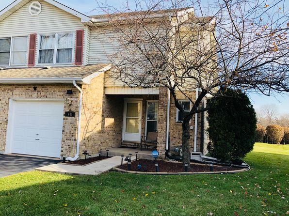 3 bed 3 bath Townhouse at 411 S Wenbriar Sq Addison, IL, 60101 is for sale at 230k - 1 of 18
