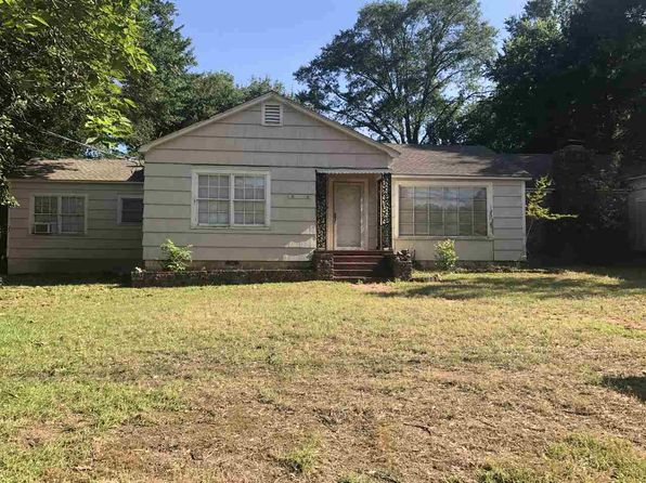 3 bed 2 bath Single Family at 712 Bean Ave Kilgore, TX, 75662 is for sale at 95k - 1 of 8