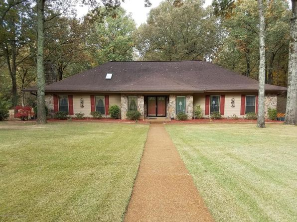 4 bed 2 bath Single Family at 4621 Homestead Ln Olive Branch, MS, 38654 is for sale at 320k - 1 of 28