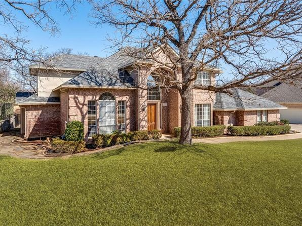 4 bed 4 bath Single Family at 810 WOODHAVEN DR LEWISVILLE, TX, 75077 is for sale at 435k - 1 of 35
