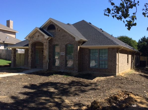 4 bed 2 bath Single Family at 1108 The Meadows Pkwy Desoto, TX, 75115 is for sale at 256k - 1 of 2