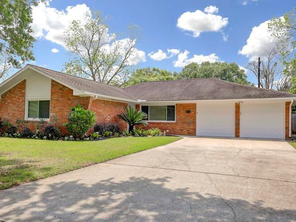 3 bed 2 bath Single Family at 6215 Shadow Crest St Houston, TX, 77074 is for sale at 165k - 1 of 2