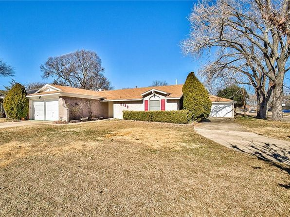 3 bed 2 bath Single Family at 2123 Redbud Ln Plano, TX, 75074 is for sale at 225k - 1 of 35