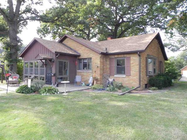 3 bed 2 bath Single Family at 1154 20th Ave East Moline, IL, 61244 is for sale at 145k - 1 of 24