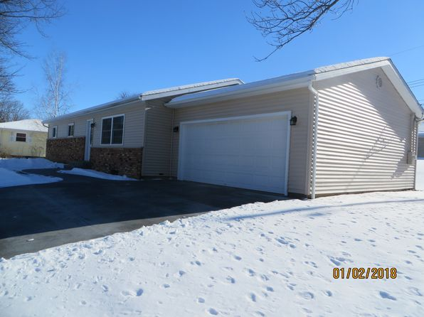 3 bed 2 bath Single Family at 409 Hillcrest Dr Washburn, IL, 61570 is for sale at 125k - 1 of 15