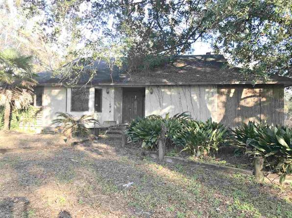 2 bed 2 bath Single Family at 211 Woodville Hwy Crawfordville, FL, 32327 is for sale at 110k - 1 of 19