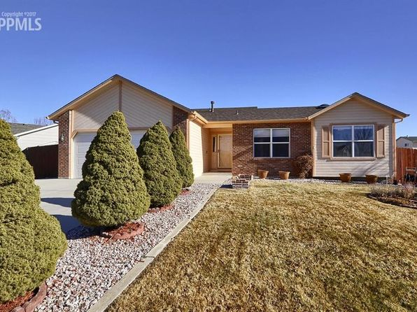 5 bed 3 bath Single Family at 555 Camrose Ct Colorado Springs, CO, 80911 is for sale at 289k - 1 of 32