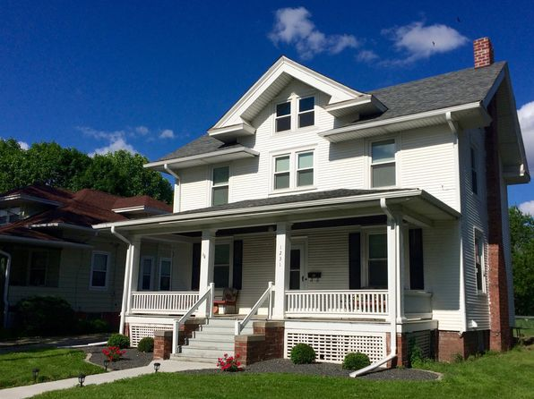 3 bed 2 bath Single Family at 1231 Beecher Ave Galesburg, IL, 61401 is for sale at 109k - 1 of 31