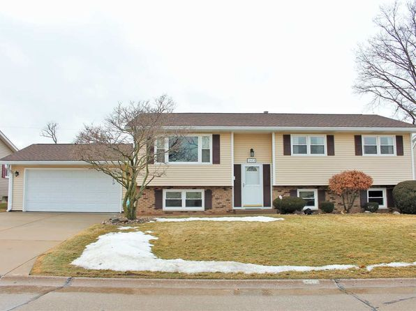 4 bed 3 bath Single Family at 2613 9 1/2th St East Moline, IL, 61244 is for sale at 140k - 1 of 24