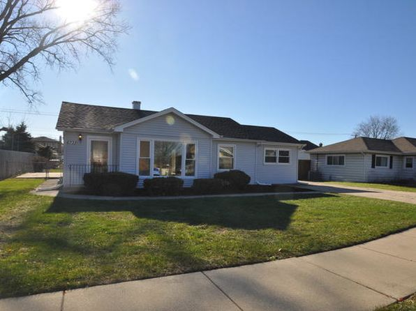 3 bed 2 bath Single Family at 6733 W 88th Pl Oak Lawn, IL, 60453 is for sale at 210k - 1 of 26