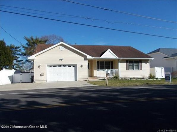3 bed 2 bath Single Family at 131 Station Dr Forked River, NJ, 08731 is for sale at 246k - 1 of 11