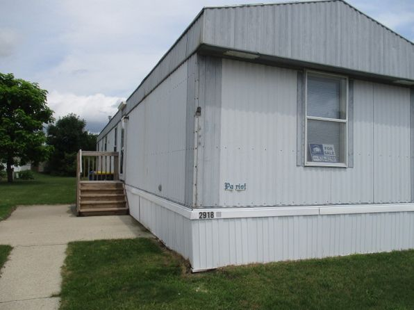 2 bed 1 bath Mobile / Manufactured at 2918 Greentree St Elkhart, IN, 46514 is for sale at 12k - 1 of 4