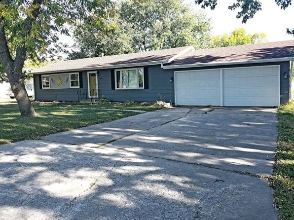 3 bed 1.5 bath Single Family at 2434 Elm Dr Fort Dodge, IA, 50501 is for sale at 115k - 1 of 9