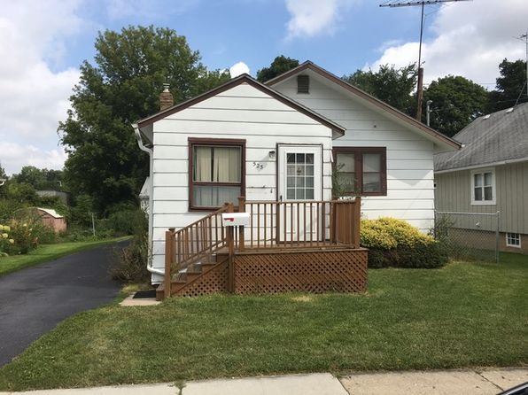 2 bed 1 bath Single Family at 525 E Judd St Woodstock, IL, 60098 is for sale at 80k - 1 of 3