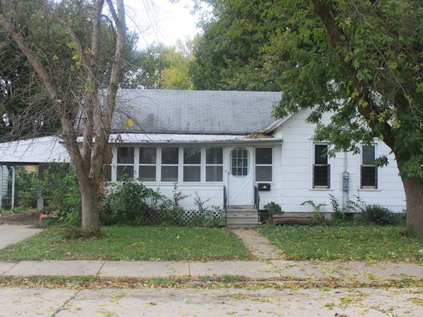 2 bed 1 bath Single Family at 905 4th Ave Sterling, IL, 61081 is for sale at 20k - 1 of 3