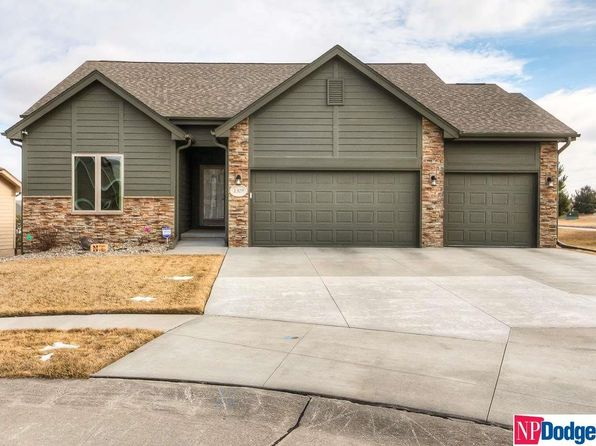 5 bed 4 bath Single Family at 1329 N Lenox Cir Council Bluffs, IA, 51503 is for sale at 350k - 1 of 29
