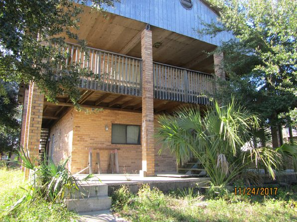 2 bed 1 bath Single Family at 1110 Seabreeze Ln Gulf Breeze, FL, 32563 is for sale at 300k - 1 of 21