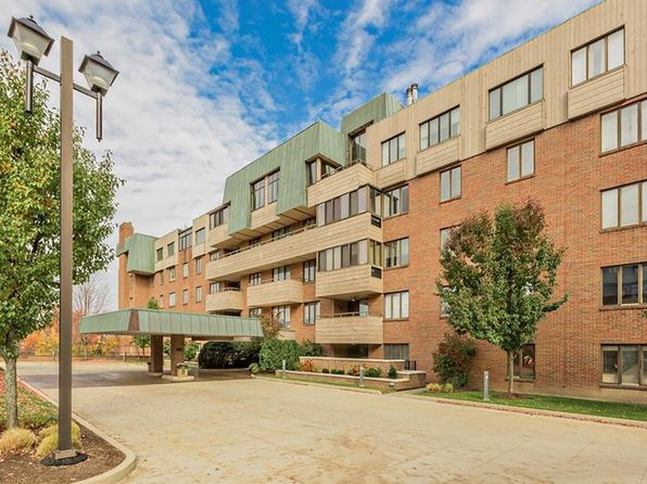 2 bed 2 bath Condo at 5200 Three Village Dr 1k Lyndhurst, OH, 44124 is for sale at 499k - 1 of 31