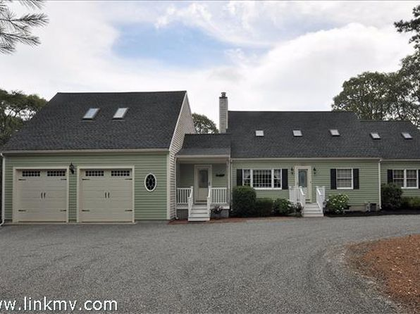 4 bed 4 bath Single Family at 37 Puritan Dr Oak Bluffs, MA, 02557 is for sale at 935k - 1 of 20