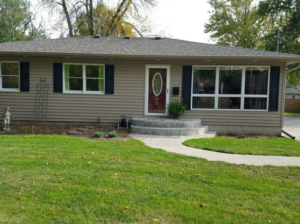 4 bed 2 bath Single Family at 415 6th St Camanche, IA, 52730 is for sale at 153k - 1 of 12