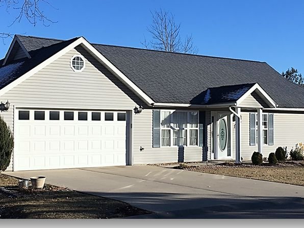 3 bed 2 bath Single Family at 1205 Dolan Ln Jerseyville, IL, 62052 is for sale at 127k - 1 of 12