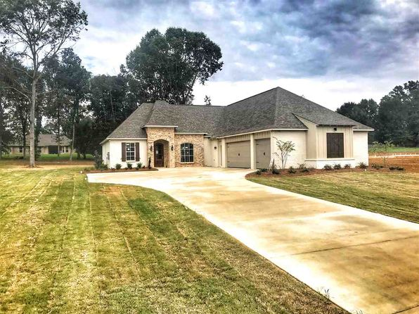 4 bed 3 bath Single Family at 136 Saddlebrook Cv Madison, MS, 39110 is for sale at 432k - 1 of 21