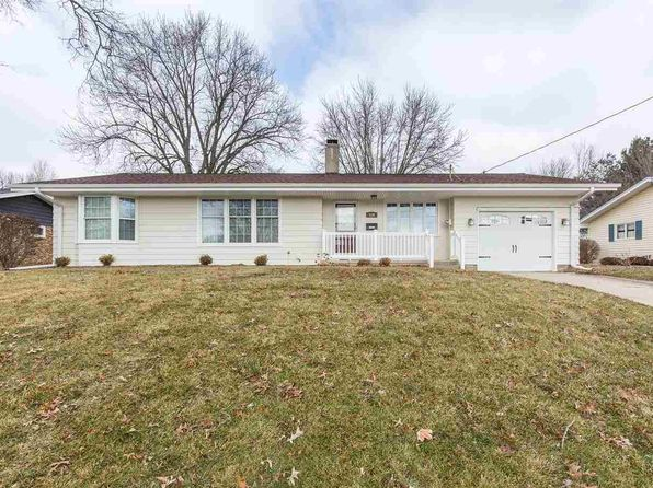 3 bed 1 bath Single Family at 516 Christopher St Morrison, IL, 61270 is for sale at 130k - 1 of 22