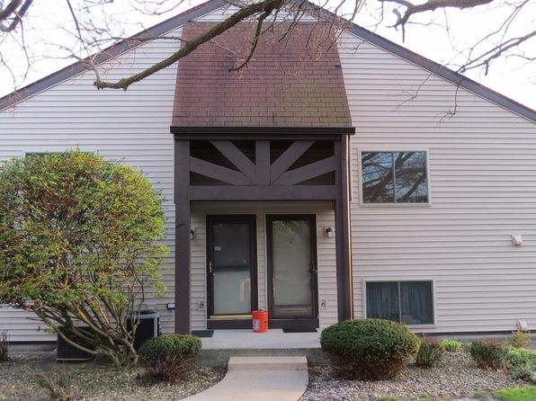 2 bed 1.75 bath Condo at 1260 Clifty Falls Ct Valparaiso, IN, 46385 is for sale at 97k - 1 of 12