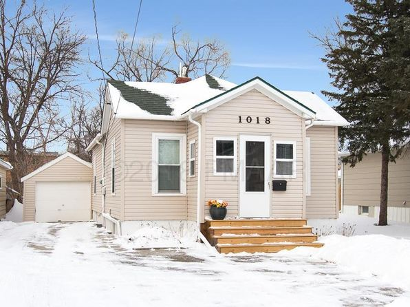 3 bed 2 bath Single Family at 1018 4th Ave N Moorhead, MN, 56560 is for sale at 145k - 1 of 29