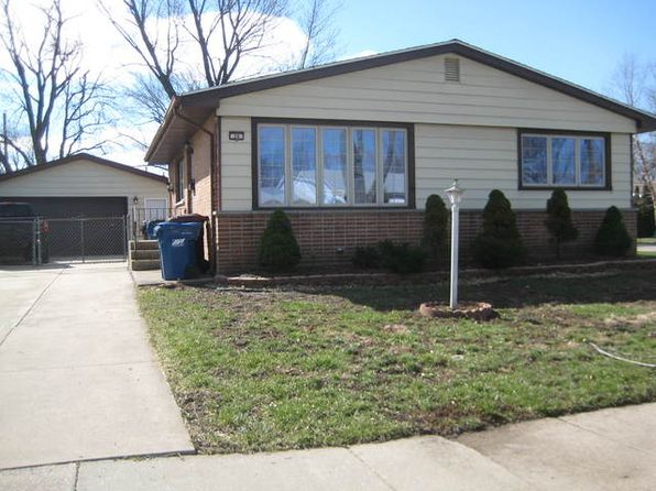 3 bed 2 bath Single Family at 26 E Greenbriar Ave Chicago Heights, IL, 60411 is for sale at 144k - 1 of 17