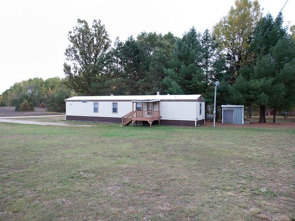3 bed 2 bath Mobile / Manufactured at 8013 11 Mile Rd Mecosta, MI, 49332 is for sale at 34k - 1 of 26