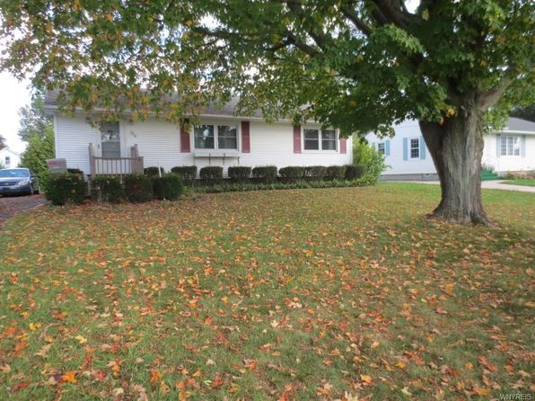 2 bed 1 bath Single Family at 529 Florence Ave Medina, NY, 14103 is for sale at 93k - 1 of 12