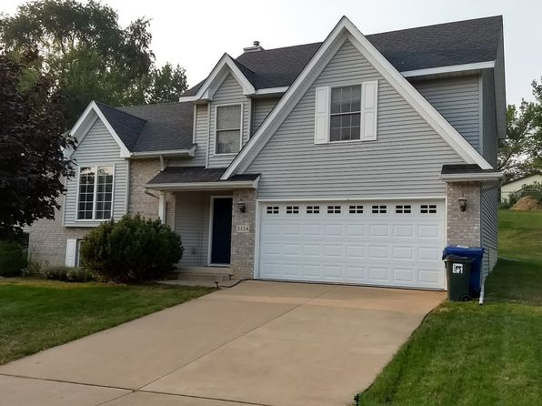 3 bed 2 bath Single Family at 2124 W 57th St Davenport, IA, 52806 is for sale at 200k - 1 of 18