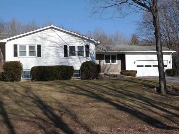 3 bed 2 bath Single Family at 288 Apple Hill Rd Bennington, VT, 05201 is for sale at 240k - 1 of 24