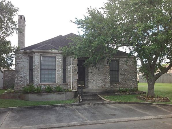 3 bed 2 bath Single Family at 314 Mayfair Cir Wharton, TX, 77488 is for sale at 190k - 1 of 19