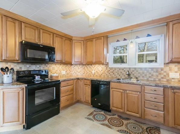 4 bed 1 bath Single Family at 49 ELDRIDGE ST CHICOPEE, MA, 01013 is for sale at 170k - 1 of 24