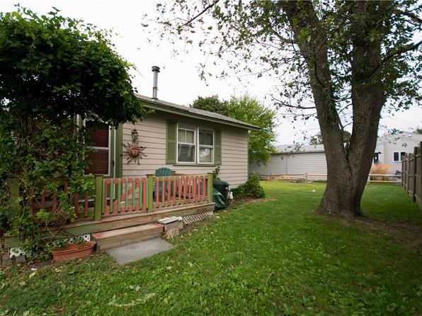 1 bed 1 bath Single Family at 177 Riverside St Portsmouth, RI, 02871 is for sale at 79k - 1 of 23