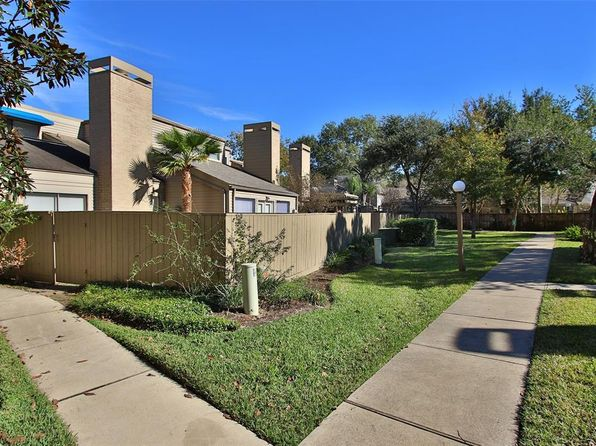 2 bed 3 bath Townhouse at 11521 Riverview Dr Houston, TX, 77077 is for sale at 175k - 1 of 38